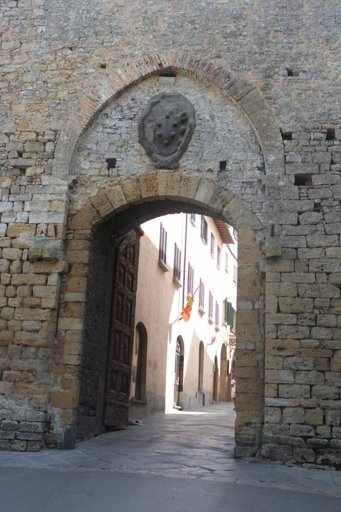 Porta Fiorentina Volterra